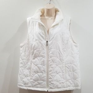 Avenue women's white quilted sleevless vest